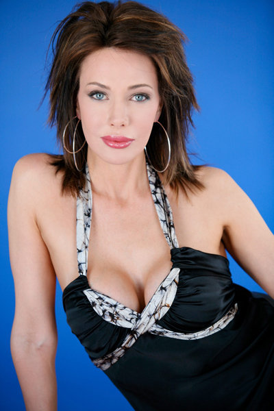 Hunter Tylo breast implants